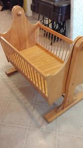 Rocking cradle crib