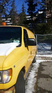 2000 Ford E-250 Minivan, Van