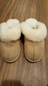 UGG  suede slippers
