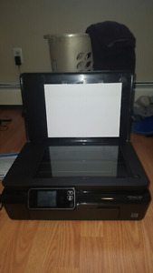 Like new - HP inkjet all in one printer WITH 8 Ink Cartridges