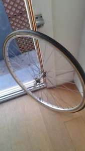 Bike wheel front . Aluminium rim.