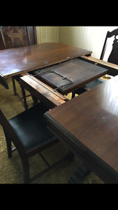 Antique table w 6 chairs & China cabinet