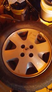 Pneu firestone 195 65 r15 avec mags