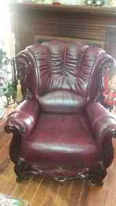 Leather couch,love seat and chair with cherry wood. London Ontario image 3