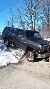 1989 4x4 plow truck with cap 2600.00