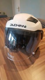 Duchinni D205 motorcycle helmet