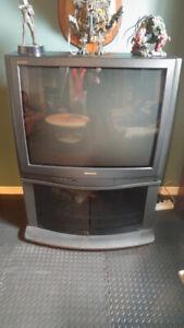 Téléviseur Catodique avec meuble