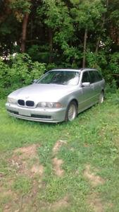 2001 BMW e39 T  525 Runs Good Rare Car.