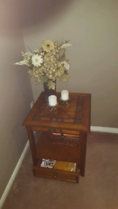 Solid wood Coffee table/end table
