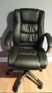 For Living Deluxe Office Chair-Like New