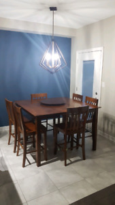 Solid Oak Kitchen Table 6 Chairs. GREAT CONDITION.