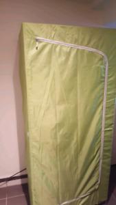 2 garde-robes ikea, rangement, linge d'hiver