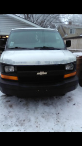 2004 Chevrolet Other 2500 Minivan, Van