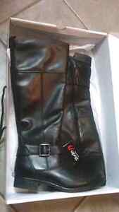 Brand new leather boots (size 8) London Ontario image 1