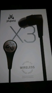 jaybird 3 wireless ear bubs with box and
