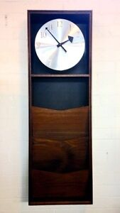 Large Vintage Mid-Century Modern Wall Clock by Howard Miller