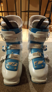 Girls Nordica boots size 22.5