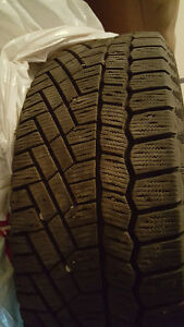 Set of 4 Winter tires 235/65 R17 Continental Extreme Winters