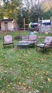 Outdoor table and chairs London Ontario image 1