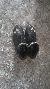 Size 6 youth shoes