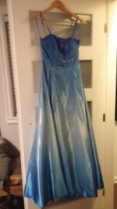 Robe de bal (taille 5)