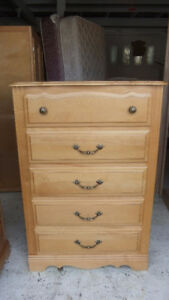 6 piece single size bedroom set in exc cond