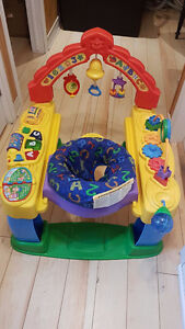 Exerciseur Fisher Price Intellitainer (comme une secoupe)