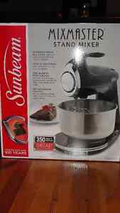 MOVING - SALE:  Mixmaster 350 Watts,, Coffee maker