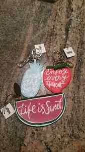 NEW with tags Chapters Indigo Coin Purse, 2 key chains ADORABLE