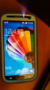 16GB Samsung Galaxy S4 + Otterbox - Great Condition