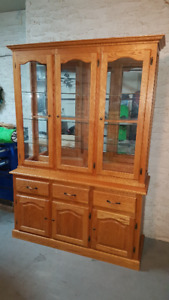 SOLID OAK BUFFET AND DISPLAY HUTCH