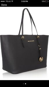 WANTED! This Michael Kors tote