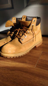 Timberland brown leather casual boots size 6.5 youth
