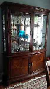 Dining table, six chairs, buffet and hutch Kitchener / Waterloo Kitchener Area image 2