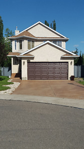 Gracious House for rent in South Edmonton
