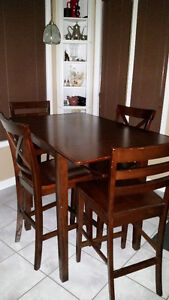 table cuisine et 4 chaises/ kitchen table with 4 chairs
