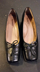 Hush Puppies women's shoes size 10 M.