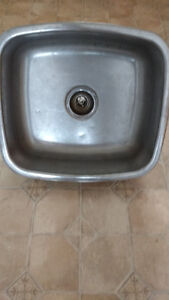 Single stainless steel sink