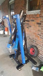 2 tonne engine hoist for rent