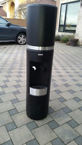 Water cooler dispenser with cover