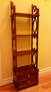 Chippendale  antic style accent bookshelve