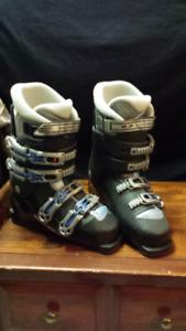 Saloman woman's ski.boot