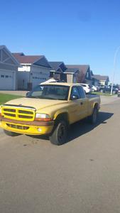 selling 1999 Dodge Dakota