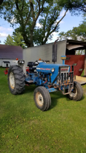 Tracteur Ford 4000 1972