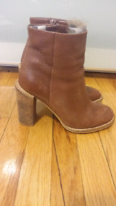 SEE BY CHLOE LEATHER BOOTS SIZE 37