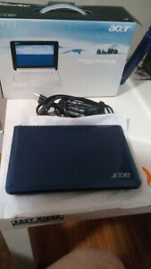 ACER ASPIRE ONE.  Blue. Mint condition
