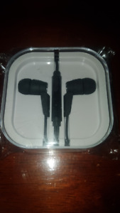 Headphones with In-Line Microphone - BRAND NEW Sealed