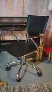 Desk and chair London Ontario image 1
