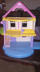 Fishers price doll house no dolls