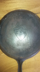Cast iron pan GSW very old no.8